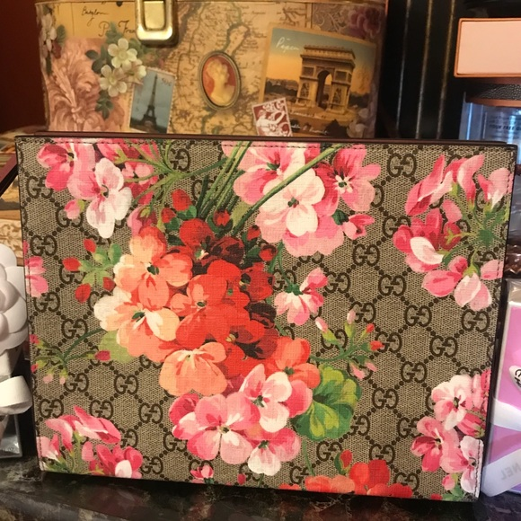 5fd2f1fc6d0 Gucci Handbags - Gucci bloom cosmetic pouch clutch